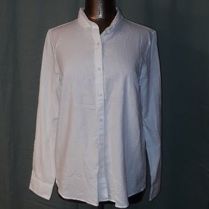 ** Gap The Fitted Boyfriend Button Down Collar Top